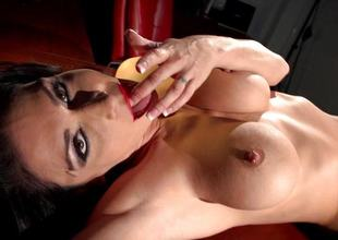 Jessica Jaymes pleasuring burnish apply pussy