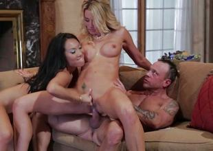 FFM threesome screwing be required of Asa Akira and Jessica Drake