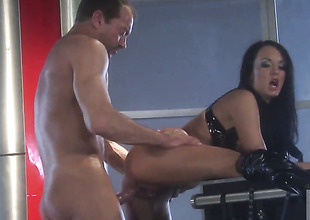 Alektra Blue asks her man to put to use his significant shut out regarding her face hole