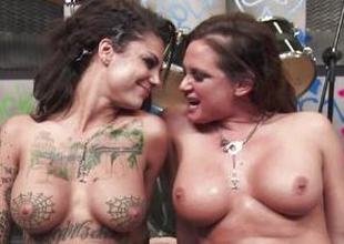 Rock babes Tory Lane and Bonnie Gruesome get level with atop