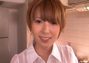 Hatano Yui enjoys having veggies pressed into her cunt