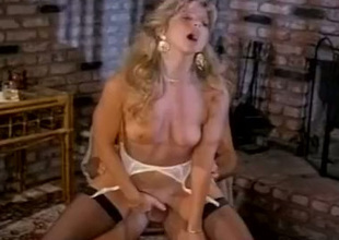 Gorgeous blonde Angela Summers rides Jon Dough's cock like a verified cowgirl
