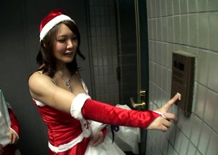 A choreograph be proper of hawt Santa's helpers fatigued a guy until he pops