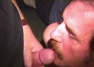 Second-rate Mature Man Reggie Jacks Off coupled with Cums