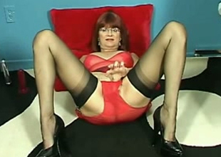 Filthy older lady is on keenness for her mettlesome solo session
