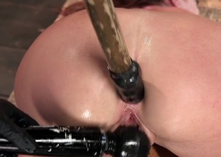 BDSM pleasures for defiant Savannah Fox