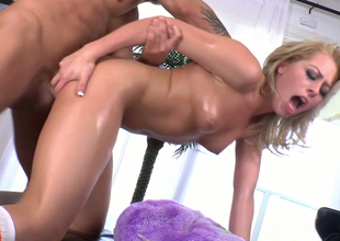 Nasty flaxen-haired chick nigh great keester enjoys anal  round doggystyle