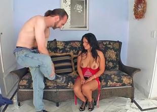 Asian milf Jessica Bangkok gets screwed by a slim ladies'