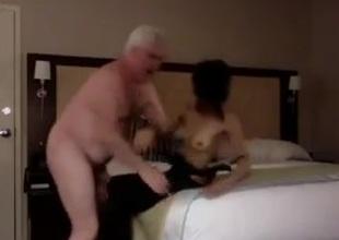 grandpapa enjoy shafting a skinng streetwalker