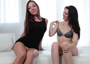 Lesbo threesome discard