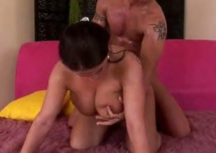 Huge tits slut geting fucked hardcore