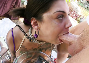Brunette Bonnie Barbaric makes gent cum