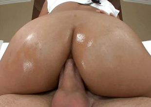 Big ass Cassandra Cruz fucked with reference to her chocolate hole