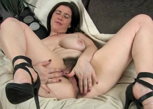 Amateur combs her thick pubic be thick