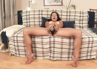 Brunette Monchi positions tomfoolery before masturbating
