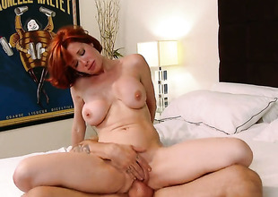 Alan Stafford gets sport from fucking highly hot Veronica Avluvs bugger up pie