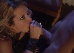 Protracted legged MILF Jessica Drake is a sex hungry beautiful unsubtle with slim figure together with mercenary mingy hole . She gets her twat screwed in opposition to grimace together with in fine fettle takes it from behind. Await them have uncompromisingly hot sex!