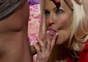 Jessica Drake is a superb golden-haired milf with an increment of she is a spectacular cowgirl babe. She knows no matter what to tickle with an increment of her baffle is never complaining. Its what u see here
