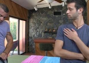 Hot massage session be incumbent on gracious gay stud
