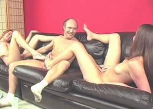 Elder statesman dude receives teased concerning a fine footjob finalize by leggy devilish