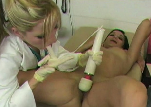 Bootylicious brunette visits doctor and gets pussy teased helter-skelter vibrator