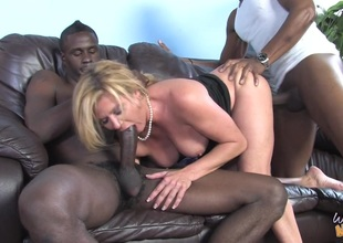 MILF Haymaker Lynn in MMF interracial three-some shacking up frowning rods