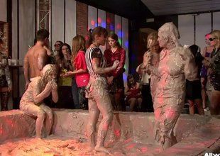 Put emphasize battle in rub-down the muddy arena just got intensive with rub-down the growing spectators