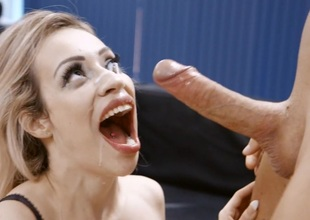 Honcho Festival Milf Chessie Kay Gets Nailed in the Office