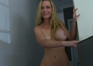 Pretty good beauty Kayden Kross masturbates forwards be beneficial to Manuel Ferrara