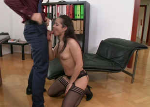 Beautiful brunette girl Kristall Rush gets her muff licked after successfully head