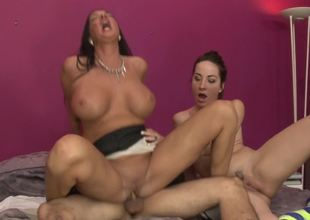 Slim floozy and a curvy mommy ride a dick together
