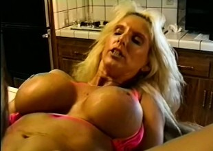 Stacked bikini cock-teaser with bleached blond seta shagging in along to kitchen