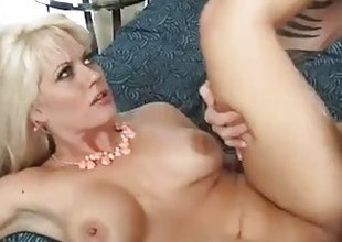 Tattooed mom Holly Heart shagging