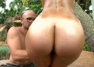 Slutty chick really loves beefy cocks fucking also