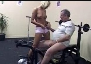 Blond cutie pleases her old cram at the gym