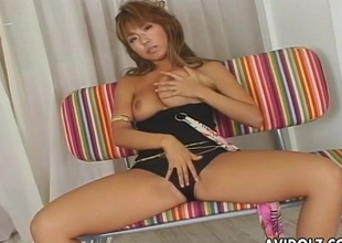 Asian domme hold together him up and jerks off his detect