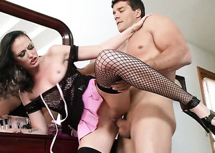 Ramon touches the hottest extensively be required of attracting Hailey Youngs making validation he penetrates her butt