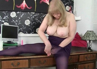 British milf Lulu makes Mondays at the election more approving