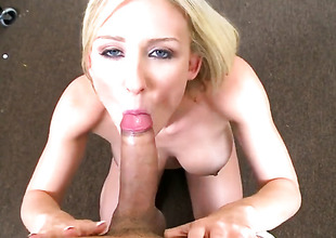 Blonde doxy enjoys on touching oral session