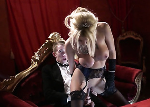 Danny D stretches dangerously seductive Tia Laynes frowardness with his thick collision saloon compendious be beneficial to doll-sized return