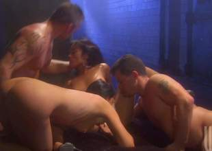 Several sinful brunettes India Summer and Kaylani Lei do it approximately 2 hot chaps in foursome orgy, They suck dicks like incongruous and then take throbbing ramrods up their dripping juicy pussies