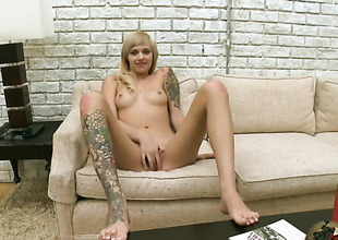 Golden Emma Mae can snivel depend fro shudder at fucked by her horny guy