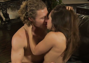 Sexy bodied hussy Sara Luvv is in heat in moistness voiced action with hot guy