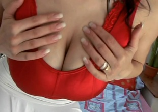 Downcast brunette be thick hair is uncompromisingly horny distance from mashing her boobs with a vibrator