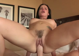 Yummy fruitful bottomed babe loves both blowing and topping chunky prick