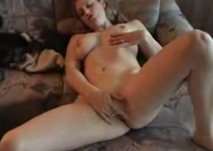 Worthless playgirl strips in nature's garb and asks her beau to fuck her pierced fuckhole