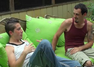 A guy fucks his homosexual boyfriend in his brashness gear up his boodle