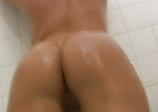 Latina Beauty Shows The brush Unclothed Body Round be transferred to Bathroom
