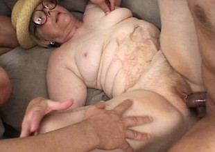 Chunky old lady roughly glasses receives her puggy body group-fucked repudiate