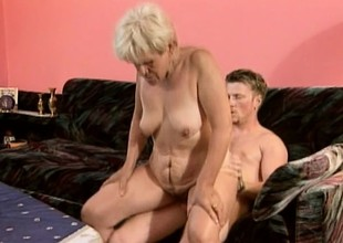 Superannuated whore wide a enthusiasm for youthful cock gets herself some action